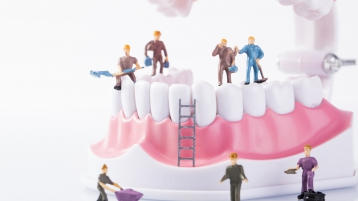 中山口腔科普丨种植牙保养得越好,使用越长久!
