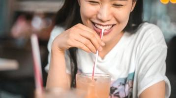 中山牙科讲堂 牙齿矫正时牙齿松动是正常的吗?
